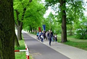 Pielgrzymi w drodze do Soboty