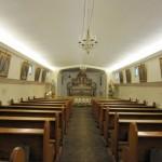 Kaplica FSSPX pw. św. Józefa urządzona w ładowni dawnej barki zacumowanej w porcie w Hadze, w Holandii.