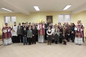 Warszawa, 19.02.2012. Msza św. i bierzmowanie w kościele FSSPX
