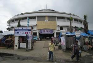 Hala sportowa w Tacloban - siedziba Misji Medycznej Rosa Mystica