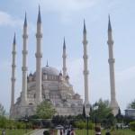 Meczet Merkes w Duisburgu. Największa muzułmańska świątynia w Niemczech