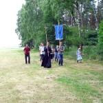 Pielgrzymi w drodze do Starych Obrzysk