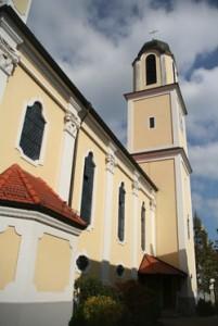 Należący do FSSPX wybudowany w 1997r. neobarokowy kościół pw. Wniebowzięcia NMP w Stuttgarcie