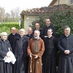 O. Józef OFMCap w otoczeniu kapłanów FSSPX