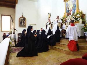 Oblatki FSSPX z nowicjatu w Salvan składają przyrzeczenia zakonne