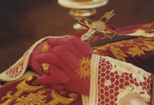 Od 25 marca do 2 kwietnia 1991 r. katolicy z całego świata przybywali do Ecône, aby modlić się przy doczesnych szczątkach abp. Lefebvre'a