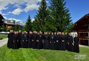 Uczestnicy spotkania wyższych przełożonych Bractwa Św. Piusa X (25–28 czerwca 2016 r., Szwajcaria)